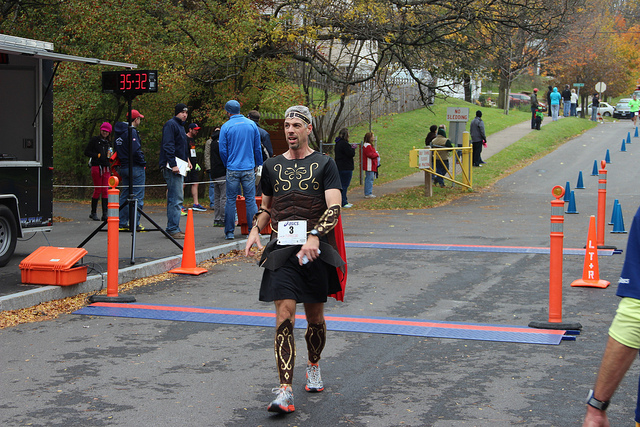 2013-Runner in costume.jpg